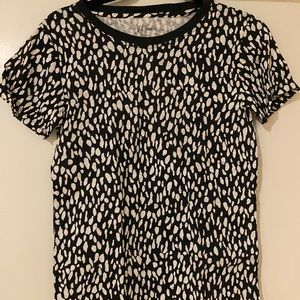 Black and white spotted graphic tee